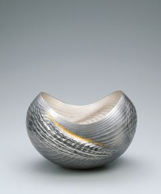 """View the Details of Forged silver flower vessel. """"Strait"""". Gallery Japan transmits Japan's most beautiful 'traditional art crafts' to the rest of the world."""