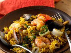 Découvrez la recette Paella espagnole sur cuisineactuelle.fr.