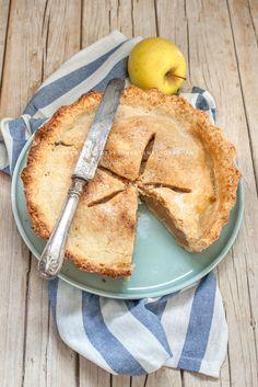 las apple pie di nonna papera è la classica torta di mele americana gonfia di mele all'interno racchiuse in un sottile e friabile guscio di pasta brisè.