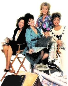 """Designing Women"" cast - Annie Potts, Delta Burke, Jean Smart and Dixie Carter. Jean Smart, Designing Women, Dixie Carter, Delta Burke, Classic Comedies, Old Tv Shows, Vintage Tv, Alba, Music Tv"