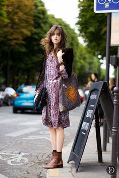 Street Style l Grace Hartzel: velvet blazer x boho print dress x boots x embroidered bag