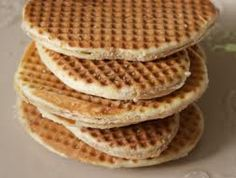 Waffles la vergeoise waffles with brown sugar waffles chti My Favorite Food, Favorite Recipes, Cuisine Diverse, Dessert Decoration, Biscuit Cookies, Waffle Iron, Mexican Dishes, Fruits And Veggies, Crepes