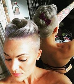 Women S Fashion Queen Street Mall Referral: 6655914034 My Hairstyle, Undercut Hairstyles, Funky Hairstyles, Pretty Hairstyles, Wedding Hairstyles, Hairstyles 2018, Short Gray Hairstyles, Short Grey Hair, Short Hair Cuts