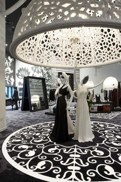 Designer Marcel Wanders has completed the interior of fashion store Villa Moda in Bahrain - ELLE Décor, NL Retail Interior Design, Top Interior Designers, Display Design, Store Design, Riad Rabat, Retail Trends, Fashion Showroom, Retail Windows, Shop Interiors