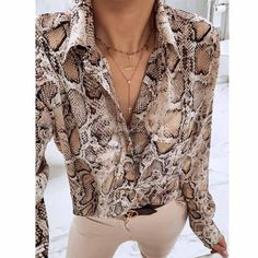 women snake print blouse animal pattern patchwork long sleeve split trun-down collar shirts vintage casual tops Casual Tops For Women, Blouses For Women, Collar Shirts, Shirt Blouses, Blusas Animal Print, Animal Prints, Outfits Con Camisa, Mode Outfits, Fashion Outfits