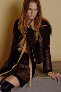http://www.style.com/slideshows/fashion-shows/pre-fall-2015/chloe/collection/12