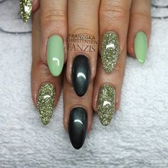 #green #pastel #glitter #nails #pearl #black #shiny