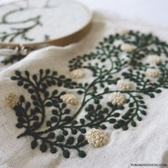 Japanese Embroidery Flowers green vine flowers embroidery by yumiko higuchi - Sashiko Embroidery, Learn Embroidery, Japanese Embroidery, Hand Embroidery Patterns, Embroidery Art, Cross Stitch Embroidery, Embroidery Scissors, Flower Embroidery, Machine Embroidery