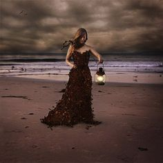 the keeper of keys - Photography by Brooke Shaden Conceptual Photography, Creative Photography, Fine Art Photography, Whimsical Photography, Photography Projects, Maggie Taylor, Foto Art, Strapless Dress Formal, Mousse
