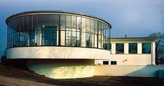 Carl Fieger entwarf das Kornhaus in den Jahren 1929/30 im Auftrag der Stadt Dessau und der Schultheiss-Patzenhofer Brauerei AG.