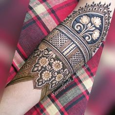 Mehndi is used for decorating hands of women during their marriage, Teej, Karva Chauth. Here are latest mehndi designs that are trending in the world. Arabic Bridal Mehndi Designs, Engagement Mehndi Designs, Wedding Henna Designs, Peacock Mehndi Designs, Indian Henna Designs, Mehndi Designs For Girls, Mehndi Designs 2018, Modern Mehndi Designs, Dulhan Mehndi Designs