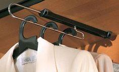 """דומיסיל: מוט באורכים שונים נשלף לתליית קולבים. שלושה עומקים: 29.5 ס""""מ עד 44.5 ס""""מ"""