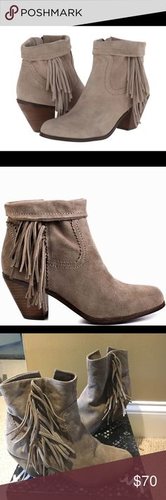 Sam Edelman Louie tan suede sz 8 Worn a few times no damages size 8 still have the box. Comes from a smoke and pet free home. Sam Edelman Shoes Ankle Boots & Booties
