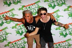 Reece Mastin Photos - (L-R) Singers Stan Walker and Reece Mastin pose on the media wall ahead of the Nickelodeon Slimefest 2012 evening show at Hordern Pavilion on September 2012 in Sydney, Australia. Media Wall, Photo L, Husband, Singer, Poses, Fashion, Figure Poses, Moda, La Mode