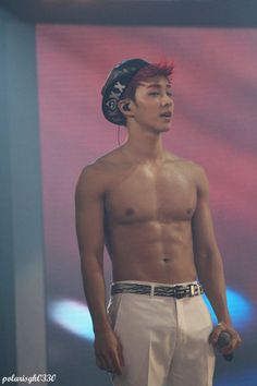 Gikwang shirtless 130720. oh my sweet Lord, thx for making this perfect yummy choco abs *nosebleed *perfertmode