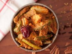 Aloo Potol Posto Recipe (Aloo Parwal in Poppy Seed Masala Recipe)