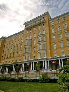 2015 - French Lick Resort, the Midwest's premier resort and casino destination, offers two luxury hotels on 3,000 acres of history and natural beauty.