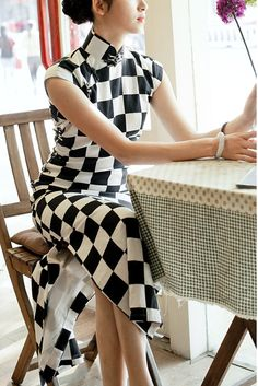 cozyladywear is best known for a wide selection of cheongsam and qipao dresses, from wedding ceremony to everyday casual. Custom tailored and ship worldwide.