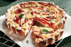 Country Style Tart with Olives, Red Florina Peppers and Basil Pizza Tarts, Snack Recipes, Cooking Recipes, Food Categories, Mediterranean Recipes, Greek Recipes, No Cook Meals, Yummy Cakes, Finger Foods
