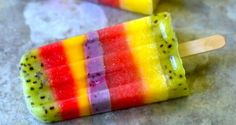 Meet the rainbow whole fruit popsicle. No chemicals, artificial colours, no added sugar of any kind, no other ingredients other than whole fruit! In summer sell fruit popsicles Low Sugar Recipes, No Sugar Foods, Raw Food Recipes, Cooking Recipes, Healthy Recipes, Yummy Recipes, Fruit Popsicles, Fruit Bars, Fruit Ice
