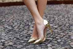 Gols shoes, I need you.