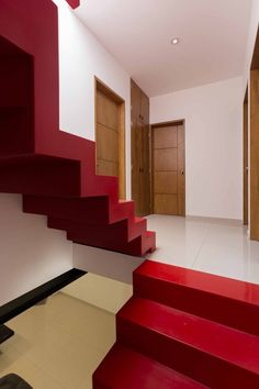 Galería de Casa Martín del Campo / ROJOarquitectura - 4 Red Architecture, Red Cake, Red Bedding, Red Handbag, Red Jewelry, Patio, Red Fashion, Stairs, 1