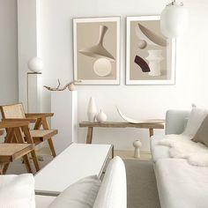 Pretty contemporary living room design singapore exclusive on zelta home decor Minimalism Living, Decoration Design, Interior Exterior, Wabi Sabi, Minimalist Home, Modern Interior Design, Interiores Design, Colorful Interiors, Interior Inspiration