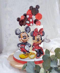"""Торты от домашних кондитеров on Instagram: """"Оцените работу кондитера от 1 до 10  Автор @fistashka.nn  ____________________________ #russiancakes  #рецептытортов #фудфото #фудблогер…"""" Mickey And Minnie Cake, Mouse Cake, Snow Globes, Friends, Decor, Cakes, Amigos, Decoration, Dekoration"""