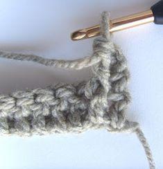 Hekel Idees: Mandjieweef Steek / Basketweave Stitch Basket Weaving, Clothes Hanger, Afrikaans, Crochet Patterns, Stitch, Diy, Crafts, Image, Coat Hanger