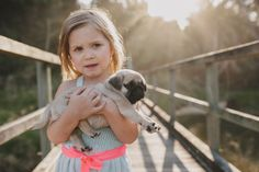 Hard to go wrong with cute kids & cute puppies! Family portrait shoot with dog. Leah Moore | Coffs Harbour Portrait Photographer » Blog