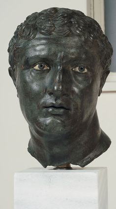 Portrait of a Man, End of second–beginning of first century BCE, bronze, glass paste, black stone, 32.5 cm | Athens, National Archaeological Museum
