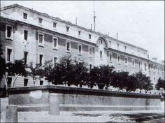 Cuartel de San Gil ; el derribo del cuartel dió lugar a la plaza de España: