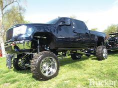 1109tr-10+danger-zone-custom-truck-show+lifted-chevy-silverado