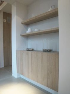 Some floating shelves in oak Muebles Living, Wall Mounted Shelves, Drywall, Unique Furniture, Home Interior Design, Home And Living, Interior Inspiration, Floating Shelves, Shelving