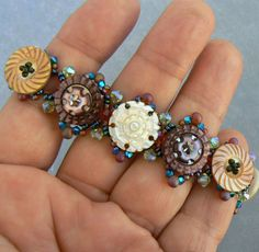 Buttons and beads bracelet