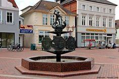 Heide ist eine Stadt in Schleswig - Holstein und die Kreisstadt des Kreises Dithmarschen. Bevölkerung : 20.814 Einwohner, Fläche : 31,97 km² http://de.wikipedia.org/wiki/Heide_(Holstein)