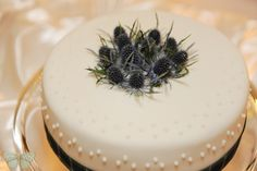 Guelph Wedding Photography | Ashley Renee Photography Scottish cake with purple thistles.