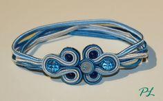 Bracciale con fettuccia soutache e chiusura arricchita da pietre sfaccettate azzurra e blu lungo 19 cm by Paola Longo creazioni https://www.facebook.com/pages/Paola-Longo-creazioni/615398268566782?fref=photo