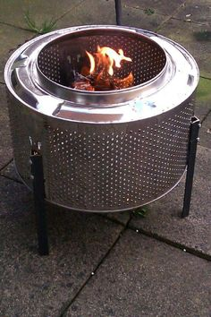Outdoor Oven, Outdoor Fire, Fire Pit Drum, Washing Machine Drum, Drum Machine, Easy Fire Pit, Outside Fire Pits, Fire Pit Designs, Rocket Stoves
