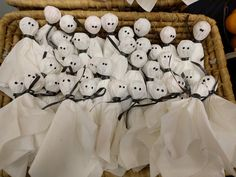 Haamutikkarit   lasten   askartelu   syksy   halloween   syksy   haamu   aave   kummitus   tikkari   käsityöt   koti   DIY ideas   kid crafts   ghosts   lollipop   Pikku Kakkonen Koti, Snoopy
