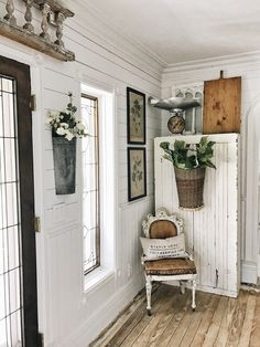 Easy Diy Shabby Chic Decor considering Shabby Vintage Look. Home Decor Downtown La although Vintage Shabby Chic Chandelier Shabby Chic Homes, Shabby Chic Decor, Shabby Chic Interiors, Cottage Interiors, Country Decor, Farmhouse Decor, Farmhouse Style, French Farmhouse, Shabby Chic Farmhouse