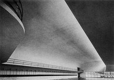 Beau Sam by Luigi Moretti. Gothic Architecture, Contemporary Architecture, Interior Architecture, Bauhaus, Arch Building, Art Deco, Background Pictures, Luigi, Exterior