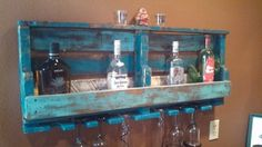 DIY Old Pallet Wine Rack