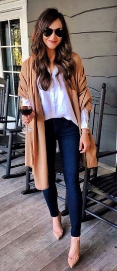 99 Charming Fall Outfits Ideas For Women That Looks Cool - - Scarves Scarves this year are a staple in fall fashion and they are a must to have in your closet! Mode Outfits, Chic Outfits, Fashion Outfits, Womens Fashion, Fashion Trends, Glamorous Outfits, Grunge Outfits, Classy Outfits, Fashion Boots