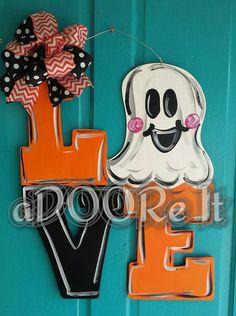 ~ Halloween Front Door Decorations, Halloween Front Doors, Halloween Door Hangers, Outdoor Decorations, Fall Wood Crafts, Door Crafts, Burlap Door Hangers, Fall Door Hangers, Outdoor Halloween