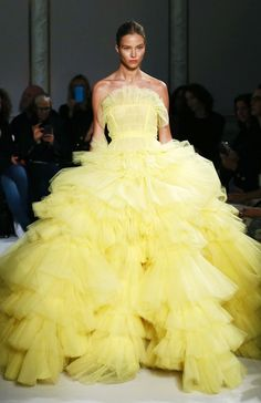 The 5 Most Magical Wedding Gowns From Couture Fashion Week via You are in the right place about Runway Fashion art Here we offer you the most beautiful pictures about the Runway Fashion Haute Couture Dresses, Haute Couture Fashion, Spring Couture, Spring 2017 Wedding Dresses, Wedding Gowns, Bleu Violet, Most Beautiful Wedding Dresses, Mellow Yellow, The Dress