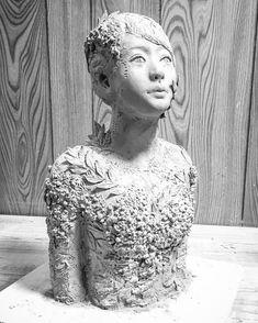 """私の陶芸の目的は、見えないものを作ること。 空気を作っているんだと、この成形で初めて気付きました。 大切なことは、目には見えない。 """"What is essential is invisible to the eye."""""""