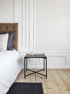 Side Table in Black with Black Marble designed in Denmark by Emil Thorup Bedroom Wardrobe, Black Marble, Scandinavian Style, Entryway Bench, Furniture Decor, Nightstand, Designer, Sweet Home, Dining Table