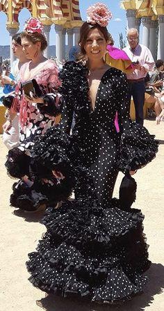Pin De Yalçın üstündağ En Flamenco Beauty Vestidos De Flamenca Vestidos De Sevillanas Vestido De Gitana