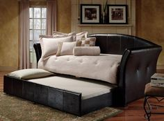 Day Bed Styles: Leather Day Beds